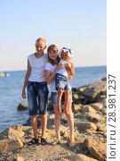 Купить «Children bathe in the sea», фото № 28981237, снято 7 июля 2018 г. (c) Типляшина Евгения / Фотобанк Лори