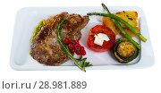 Купить «Veal with vegetables», фото № 28981889, снято 27 июня 2018 г. (c) Яков Филимонов / Фотобанк Лори