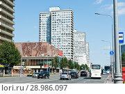 Купить «Улица Новый Арбат. Летний день. Москва», фото № 28986097, снято 29 июля 2018 г. (c) Екатерина Овсянникова / Фотобанк Лори
