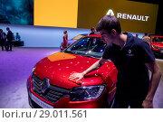 Презентация обновденной модели автомобиля Renault Sandero Stepway на Московском международном автомобильном салоне 2018 в городе Москве, Россия. Редакционное фото, фотограф Николай Винокуров / Фотобанк Лори