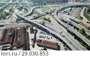 Aerial view of highway grade separation in Barcelona, Spain (2018 год). Стоковое видео, видеограф Яков Филимонов / Фотобанк Лори