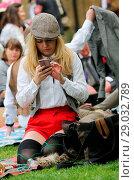Купить «Riders gather for a picnic in Geraldine Mary Harnsworth Park. The Tweed Run is one of London's most visually stunning and wonderfully British public bicycle...», фото № 29032789, снято 6 мая 2017 г. (c) age Fotostock / Фотобанк Лори