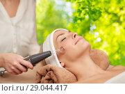 Купить «woman having hydradermie facial treatment in spa», фото № 29044417, снято 18 декабря 2014 г. (c) Syda Productions / Фотобанк Лори