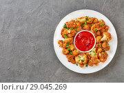 Купить «delicious baked in oven Breaded cauliflower», фото № 29045269, снято 11 августа 2018 г. (c) Oksana Zh / Фотобанк Лори