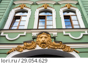 Купить «Saint Petersburg. Fragment of architecture with stucco decorations in the form of lion's heads (countess M.G. Razumovskaya's house built in 1848, architect R. Bernhardt and N. Nabokov)», фото № 29054629, снято 23 августа 2018 г. (c) Виктория Катьянова / Фотобанк Лори