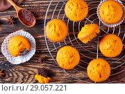 Купить «freshly baked sweet pumpkin muffins», фото № 29057221, снято 27 августа 2018 г. (c) Oksana Zh / Фотобанк Лори