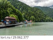 Купить «Абхазия. Летний пейзаж с видом на Озеро Рица на фоне гор», эксклюзивное фото № 29062377, снято 5 июня 2018 г. (c) Игорь Низов / Фотобанк Лори