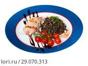 Купить «Squid stuffed with bell pepper», фото № 29070313, снято 21 января 2020 г. (c) Яков Филимонов / Фотобанк Лори