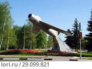Купить «Памятник МИГ-17», фото № 29099821, снято 17 мая 2018 г. (c) Ed_Z / Фотобанк Лори
