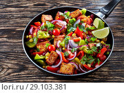 Купить «Cowboy Caviar: mix of fresh vegetables and tofu», фото № 29103381, снято 22 августа 2018 г. (c) Oksana Zh / Фотобанк Лори