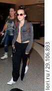 Купить «Millie Bobby Brown arrives at Los Angeles International Airport (LAX) Featuring: Millie Bobby Brown Where: Los Angeles, California, United States When: 08 May 2017 Credit: WENN.com», фото № 29106893, снято 8 мая 2017 г. (c) age Fotostock / Фотобанк Лори