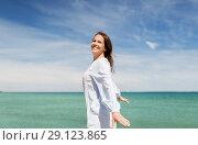 Купить «happy smiling woman on summer beach», фото № 29123865, снято 15 июня 2018 г. (c) Syda Productions / Фотобанк Лори