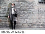 Купить «teenager girl in hood near wall», фото № 29128245, снято 11 ноября 2017 г. (c) Яков Филимонов / Фотобанк Лори