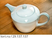 Чайник для заварки чая. Стоковое фото, фотограф Левончук Юрий / Фотобанк Лори