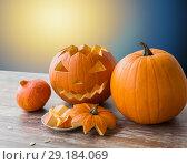 Купить «jack-o-lantern or carved halloween pumpkin», фото № 29184069, снято 15 сентября 2017 г. (c) Syda Productions / Фотобанк Лори