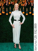 Купить «The Tenth Annual Veuve Clicquot Polo Classic at Liberty State Park - Red Carpet Arrivals Featuring: Nicole Kidman Where: Jersey City, New Jersey, United...», фото № 29192889, снято 4 июня 2017 г. (c) age Fotostock / Фотобанк Лори
