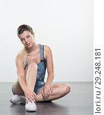 Купить «Young woman in shorts», фото № 29248181, снято 10 августа 2018 г. (c) Типляшина Евгения / Фотобанк Лори