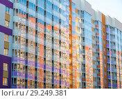 Фасадное остекление нового дома (2018 год). Стоковое фото, фотограф Евгений Иванов / Фотобанк Лори