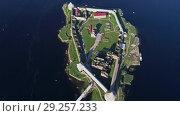 Купить «Aerial view on fortress Oreshek, Leningrad region», видеоролик № 29257233, снято 18 сентября 2018 г. (c) Михаил Коханчиков / Фотобанк Лори