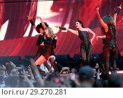 Купить «Taylor Swift performs on her Reputation World Tour at Wembley Stadium Featuring: Taylor Swift Where: London, United Kingdom When: 22 Jun 2018 Credit: WENN.com», фото № 29270281, снято 22 июня 2018 г. (c) age Fotostock / Фотобанк Лори