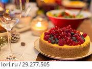 Купить «close up of cake and other food on christmas table», фото № 29277505, снято 17 декабря 2017 г. (c) Syda Productions / Фотобанк Лори