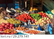 Овощи и фрукты на прилавке. Стоковое фото, фотограф Александр Щепин / Фотобанк Лори