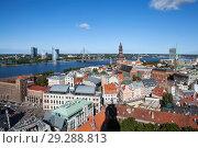 Вид на Ригу с башни церкви святого Петра. Латвия (2018 год). Редакционное фото, фотограф Сергей Афанасьев / Фотобанк Лори