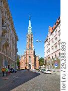 Старая церковь Гертруды. Рига. Латвия (2018 год). Редакционное фото, фотограф Сергей Афанасьев / Фотобанк Лори