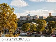 Купить «Tbilisi, Presidential Palace», фото № 29307305, снято 3 октября 2018 г. (c) Юлия Бабкина / Фотобанк Лори