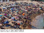 Купить «Beach of Tossa de Mar», фото № 29307853, снято 17 августа 2017 г. (c) Яков Филимонов / Фотобанк Лори