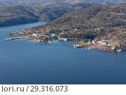 Купить «Top view of the Krasnoyarsk reservoir», фото № 29316073, снято 27 марта 2019 г. (c) Владимир Пойлов / Фотобанк Лори