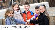 Купить «Outdoor portrait of junior school kids», фото № 29316457, снято 16 декабря 2018 г. (c) Яков Филимонов / Фотобанк Лори