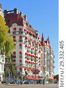 Hotel Diplomat Stockholm (1907-1911) located on prestigious Strandvagen Street. Stockholm, Sweden (2018 год). Редакционное фото, фотограф Валерия Попова / Фотобанк Лори