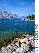 Купить «Озеро Гарда и Альпы. Мальчезине. Италия», фото № 29383905, снято 11 сентября 2018 г. (c) Сергей Афанасьев / Фотобанк Лори