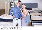 Купить «Family couple in furniture store», фото № 29394181, снято 12 июня 2017 г. (c) Яков Филимонов / Фотобанк Лори