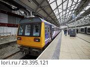 Купить «Northern rail class 142 142003 train Lime Street station Liverpool Merseyside England UK.», фото № 29395121, снято 17 сентября 2018 г. (c) age Fotostock / Фотобанк Лори