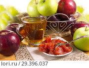 Варенье из яблок, домашнего приготовления. Стоковое фото, фотограф Наталия Кузнецова / Фотобанк Лори