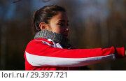 Купить «Two young pretty woman in sport costumes doing exercises in park. Close up», видеоролик № 29397721, снято 23 июля 2019 г. (c) Константин Шишкин / Фотобанк Лори