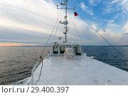 Купить «Корабль на море», фото № 29400397, снято 26 июня 2018 г. (c) Pukhov K / Фотобанк Лори