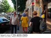 Купить «Berlin, Germany, street scene in Berlin-Mitte », фото № 29409089, снято 7 июня 2018 г. (c) Caro Photoagency / Фотобанк Лори