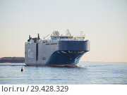 Купить «Vehicles carrier AUTO ENERGY leaves port of St. Petersburg and goes along fairway in the Gulf of Finland», фото № 29428329, снято 4 ноября 2018 г. (c) Юлия Бабкина / Фотобанк Лори