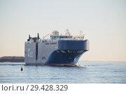 Купить «Vehicles carrier AUTO ENERGY leaves port of St. Petersburg and goes along fairway in the Gulf of Finland», фото № 29428329, снято 4 ноября 2018 г. (c) Юлия Бабкина / Фотобанк Лори