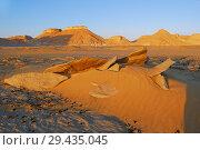 Купить «Aqabat mountains in Sahara, Egypt», фото № 29435045, снято 25 декабря 2008 г. (c) Знаменский Олег / Фотобанк Лори