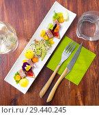 Купить «Tasty fried tuna with mango and avocado, served with fig and flower», фото № 29440245, снято 14 октября 2019 г. (c) Яков Филимонов / Фотобанк Лори