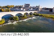 Купить «View of medieval castle Chateau in Amboise», фото № 29442005, снято 8 октября 2018 г. (c) Яков Филимонов / Фотобанк Лори
