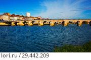 Купить «Old arch bridge in Macon, France», фото № 29442209, снято 12 октября 2018 г. (c) Яков Филимонов / Фотобанк Лори