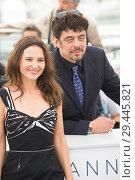 Купить «71st annual Cannes Film Festival - Un Certain Regard - Jury Photocall Featuring: Benicio del Toro, Virginie Ledoyen Where: Cannes, France When: 09 May 2018 Credit: Euan Cherry/WENN.», фото № 29445821, снято 9 мая 2018 г. (c) age Fotostock / Фотобанк Лори