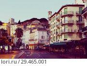 Купить «Cannes french riviera streets and building in twilight», фото № 29465001, снято 3 декабря 2017 г. (c) Яков Филимонов / Фотобанк Лори