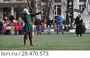 Купить «Moscow, Russia - November 17,2018. Medieval archer shoots an arrow from a bow.», видеоролик № 29470573, снято 17 ноября 2018 г. (c) Георгий Дзюра / Фотобанк Лори
