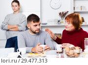 Купить «Woman calming upset guy during quarrel with girlfriend», фото № 29477313, снято 27 ноября 2017 г. (c) Яков Филимонов / Фотобанк Лори